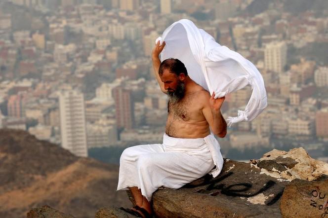 Tiga Pesan Penting Pakaian Ihram Menurut Ibnu Abbas